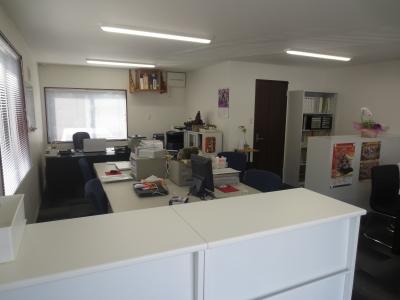 事務所改築しました。